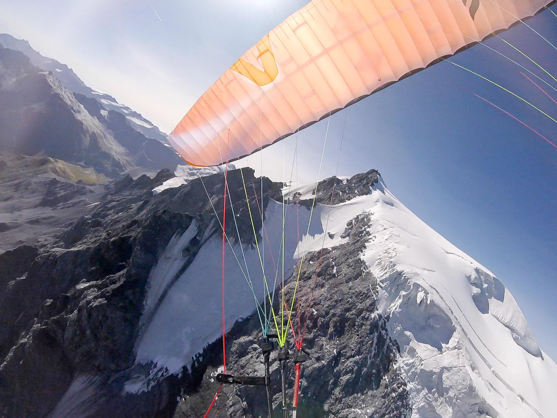 Alpine Hochtouren mit Gleitschirm